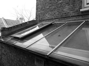 Glazed side return window cleaning